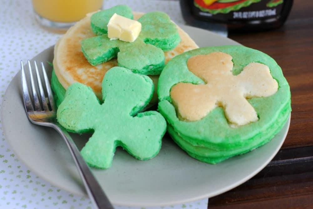 Meraki Mother - Delicious St Patricks Day Meals- Traditional Irish Food - Easy Shamrock Pancakes Recipe for St. Patricks Day