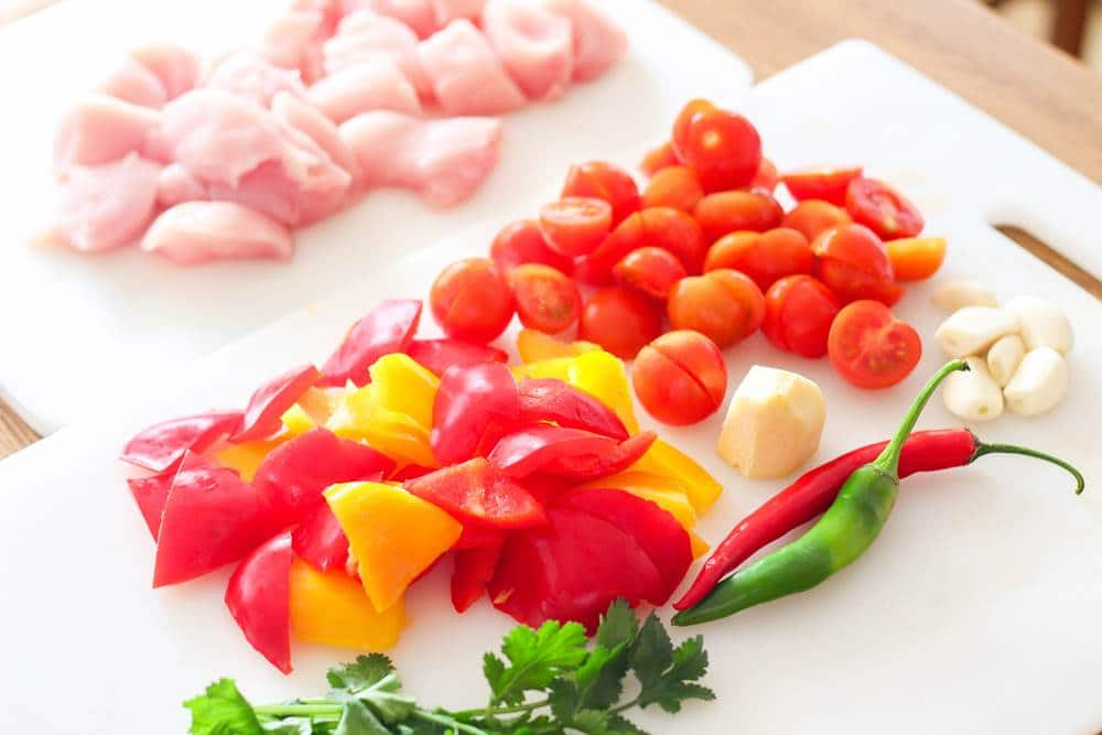 Ingredients for mild chicken curry