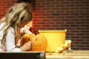 jack-o'-lantern pumpkin carving activity for kids