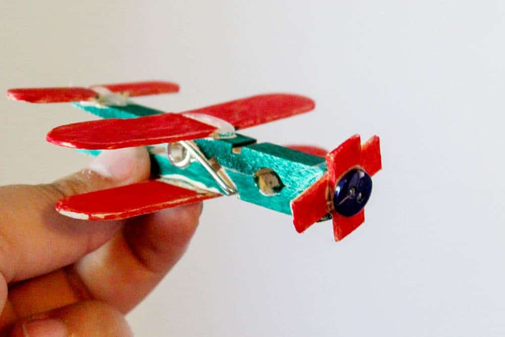 Fun air plane craft for preschool for aviation theme activity