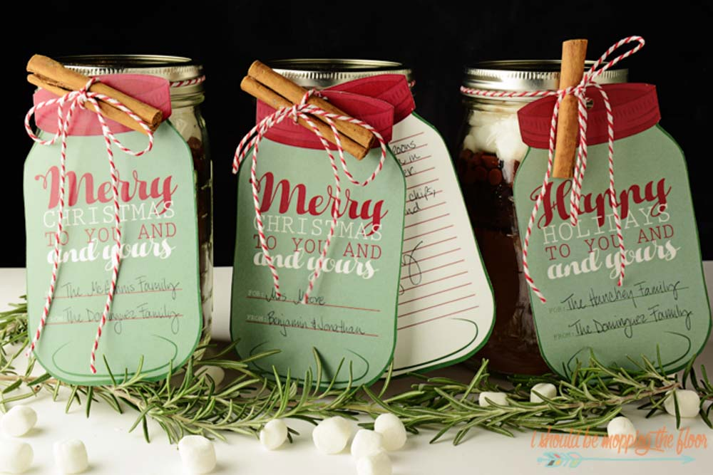 30+ Affordable Mason Jar Gifts That You Can Make Yourself
