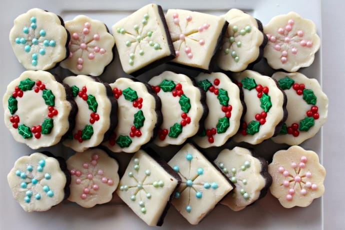 Ultimate List of Best Christmas Cookies You Need To Bake These Holidays